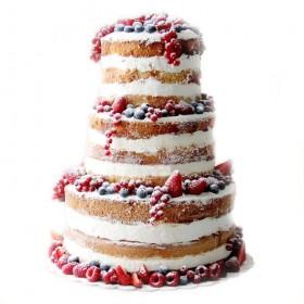 Четырехъярусный открытый свадебный торт с ассорти из свежих ягод