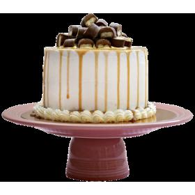 Торт праздничный с кусочками шоколада сверху
