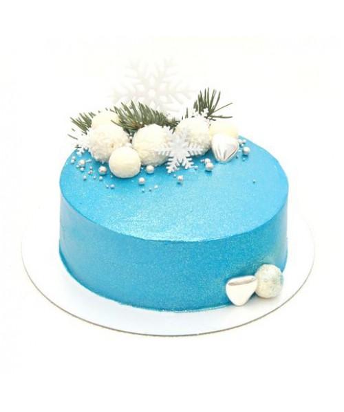 новогодний торт синего цвета с новогодними игрушками