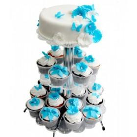 Белый одноярусный свадебный торт с капкейками, украшенными голубенькими цветами, бабочками и бантами